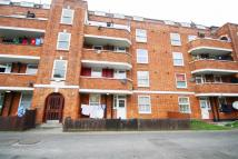 Maisonette to rent in Morden