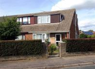 Bungalow to rent in South Parkway, Snaith