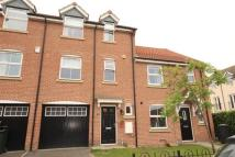 Town House to rent in Wells Drive, Hambleton