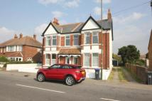 4 bed Apartment in Middle Road...