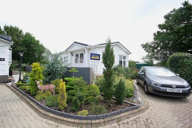 2 Bedroom Mobile Home For Sale In Takeley Park Herts