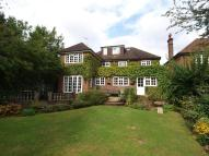 5 bedroom home in Charmouth Road...