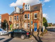 3 bedroom Flat in Southey Road, Wimbledon...