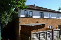 Cluster House to rent in Winnington Close...