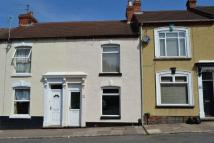 Terraced property to rent in Lower Adelaide Street...