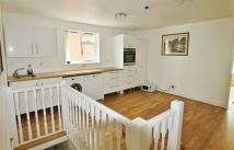 1 bed Apartment to rent in Baker St, Weybridge...
