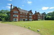 2 bed Apartment to rent in Ellesmere Road, Weybridge