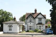 3 bedroom Flat to rent in Hersham Road...