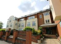 2 bedroom Apartment to rent in St Clements House...