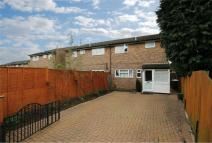 3 bedroom semi detached home to rent in Clements Road...
