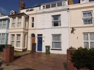 BEACH ROAD Terraced house to rent
