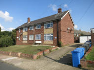 Flat to rent in LAKESIDE CLOSE, Ipswich...
