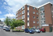 Flat to rent in Roberts Court, London...