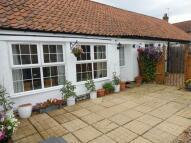 2 bedroom Semi-Detached Bungalow in Manor Road...