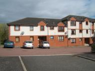 Ground Flat to rent in 152 Bulloch Crescent...