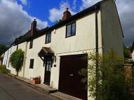 4 bed semi detached house in Chapel Street...