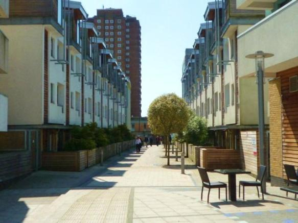 2 Bedroom Apartment To Rent In Sheffield Court Kingscote Way Brighton East Sussex Bn1