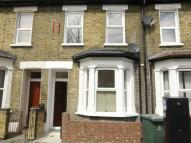 2 bed house to rent in Worland Road, Stratford