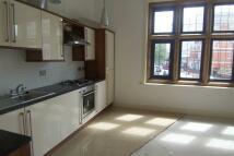 3 bedroom Flat in Barking Road, East Ham