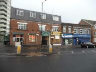 Flat to rent in High Street, Plaistow...