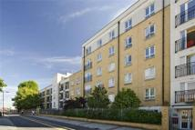 2 bedroom Apartment to rent in Leytonstone Road, London