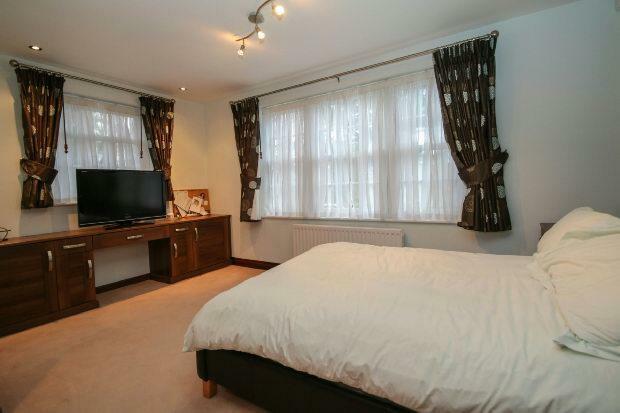 Guest Bedroom 1 Aspe