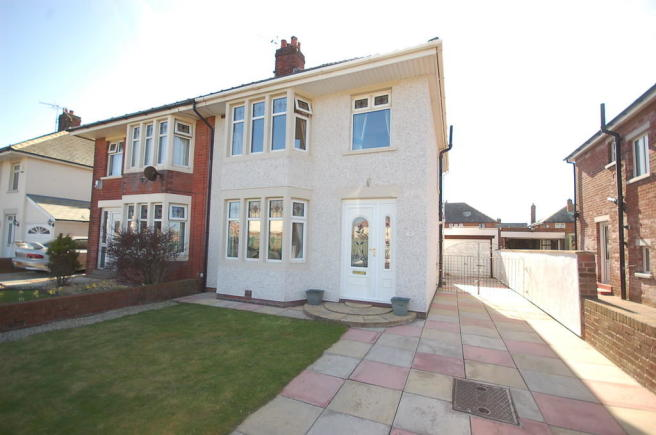 3 Bedroom Semi Detached House For Sale In Raleigh Avenue Blackpool Fy4