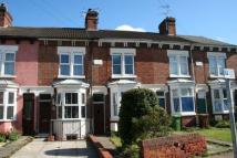 2 bed home in Queens Drive West...