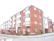 Flat to rent in Northcroft Way...