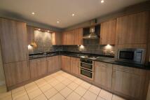 Studio flat in Tilbury Close, Pinner...