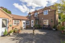 4 bed property in Silver Street...