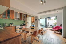 Apartment for sale in Sussex Way N19