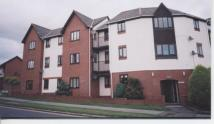 Ground Flat to rent in Meads Court...