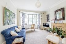 Flat in Kew Road , Richmond