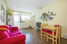 2 bedroom Flat in LICHFIELD COURT SHEEN...