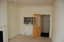 2 bedroom Flat in Sandgate High Street...