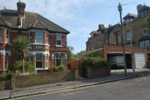 semi detached house to rent in Copthall Gardens...