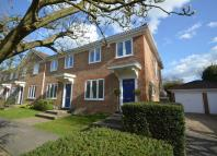 Weybridge End of Terrace house to rent