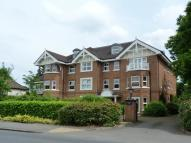 Apartment in Weybridge, KT13