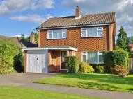 3 bed Detached home in Oakhill Road, Ashtead