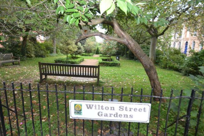 Wilton Street Gardens