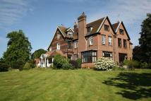 2 bed Apartment for sale in Godstone outskirts