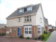 5 bed semi detached property in 66 Victory Boulevard...