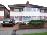 Flat to rent in Gilda Crescent, Polegate...