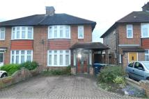 3 bedroom semi detached house in Grove Gardens...