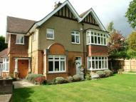 5 bed semi detached home for sale in Woodville Road, Barnet...