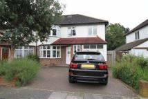 5 bedroom semi detached property in Dinsdale Gardens...