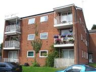 2 bedroom Flat in May Trees, May Farm Close