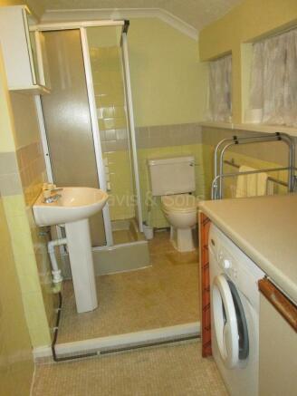 Utility/Shower Room