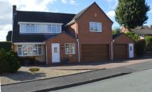 5 bedroom Detached house in Wentworth Drive...